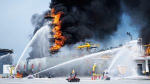 همکاری ربات های آتشنشان