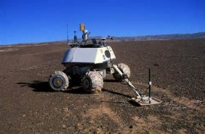 ربات مین یاب با بدنه مقاوم